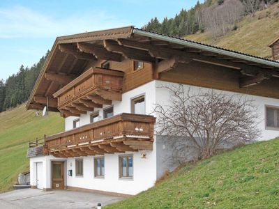 Photo for 4 bedroom Apartment, sleeps 9 in Dorf with WiFi