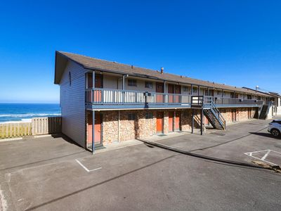 Photo for Close to the beach w/ a shared indoor pool & outdoor hot tub - dogs welcome!