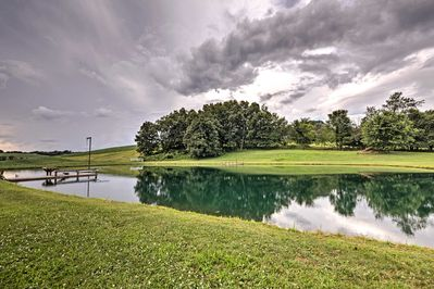 This getaway is next to a large pond, great for swimming, and an operating farm!