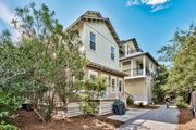 NEW! Gorgeous home with loft deck, close to pool and beach: The Happy Place