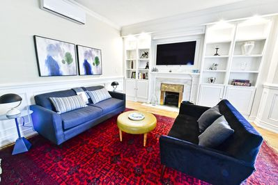 Outstanding Exquisite Large Luxurious 1 Bedroom Apt In Rosedale With Deck Parking Old Toronto Home Interior And Landscaping Palasignezvosmurscom
