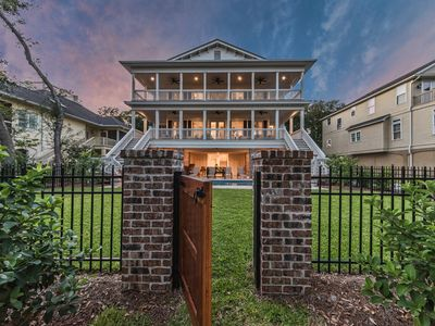 Spectacular Second Row Home w/ Luxury Finishes, Chef's Kitchen, Outdoor TV