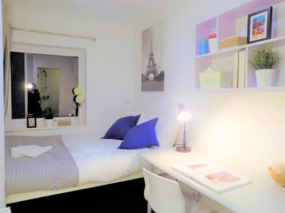 Photo for Comfory En-suite Room very close to Uni