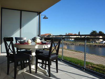 Photo for New apartment, nice amenities along the Canal du Rhone in Sè