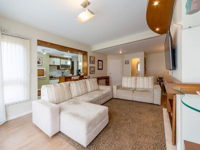 Photo for 3 bedroom apartment in the Center!
