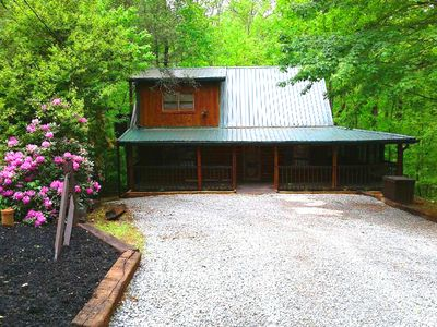 Photo for Cozy Getaway-hot tub, game console, close to town & wonderful!