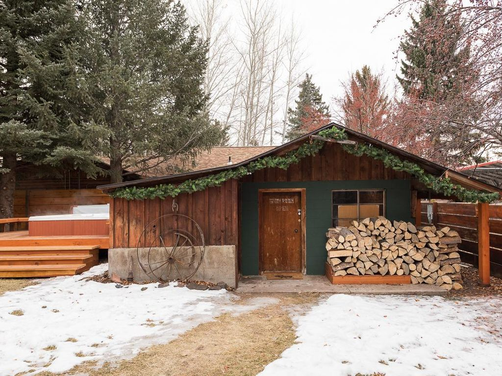 Modern rustic home in Ketchum's hottest location