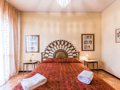 Photo for VENICE & SURROUNDINGS- we speak french -2chamb- bath -PARKING- WIFI