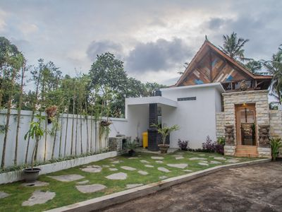 Photo for Breathaking traditional villas with kitchen Ubud and  Breakfast