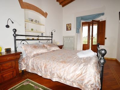 Photo for Giotto Elegant suite in a 1700's farmhouse in the Tuscan hills