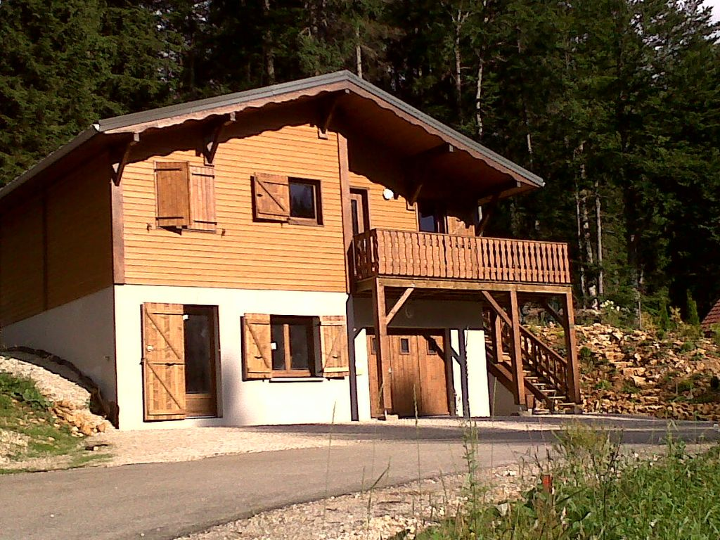 ground floor apartment of a prémanon chalet lac des 668347