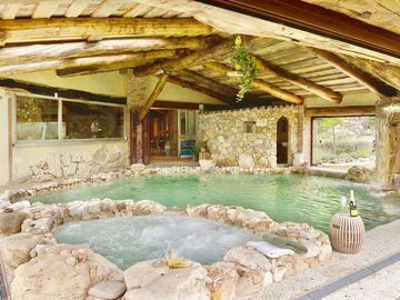 VILLA DELLE FAVOLE, Orvieto, 14 pl. Private heated pool 30 C ° + SPA, h 24
