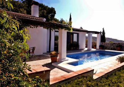 Quiet, Relaxing, Secluded. Country Villa Minutes From The Coast.
