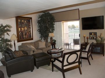 Interior Designers condo in center Scottsdale, on Golf Course with Mountain View