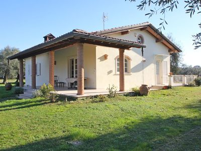 Photo for Wonderful  villa for 4 people with WIFI, TV, veranda and parking, close to Forte Dei Marmi