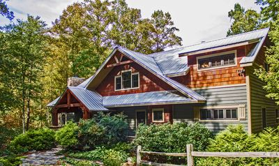 Luxury cabin - Privacy & Mountain views.  A vacation to remember.