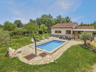 Photo for Holiday house Bella Collina * quiet location, 2000 m2 garden, private pool