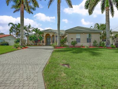Photo for Seas The Day 1040 3B 3Ba SE Cape Coral Waterfront Gulf Access, Boat Dock heated pool and spa