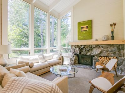 Photo for Family-friendly luxury retreat near Sun Valley with resort amenities -- walk to Ketchum