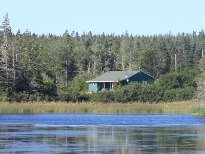 Private one-bedroom cottage, overlooking a saltwater pond and minutes from ocean