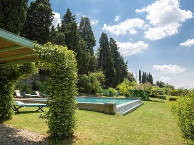 Photo for Luxurious villa in Chianti with pool, garden and minigolf