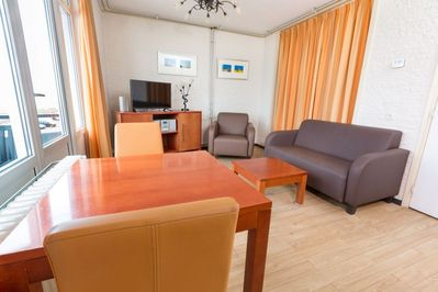 Apartment with sleeping alcove, also in models for guests with physical  disabilities - Egmond aan Zee