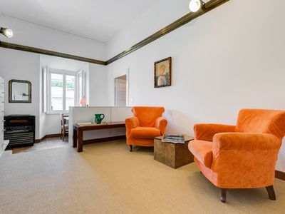 Photo for Bright 3 bed flat 9 min from Piazza di Spagna