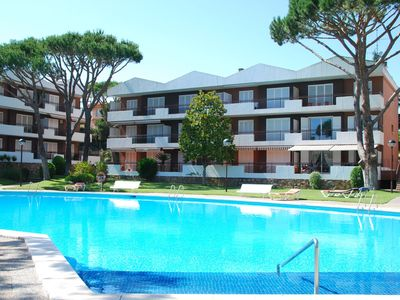 Photo for Nice apartment with shared pool in Llafranc near sea