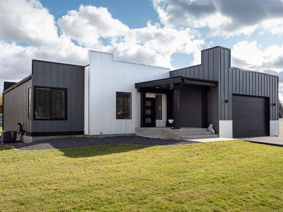 Photo for NEW MODERN HOME · Luxury Home in Spokane- Wifi- Over 3,200 Square Ft