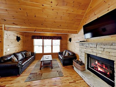 "Photo for Updated 2BR ""Bear Cove Cabin"" in the Woods w/ Private Hot Tub, Close to Town"