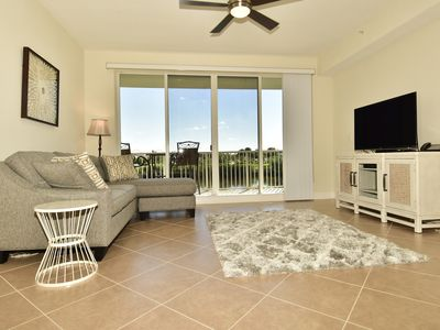 Walk to beach and resort amenities at Little Harbor!