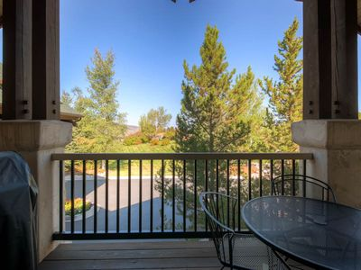 Photo for Top Floor 3 Bedroom Condo w/ Private Balcony Great for Summer Days, Pool, Hot Tubs & More!