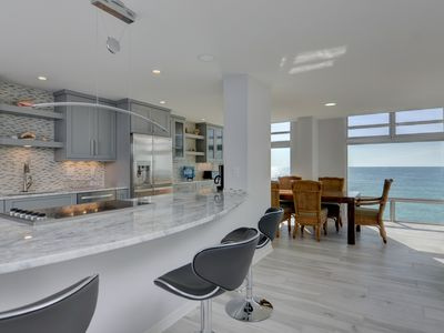 Photo for Totally Renovated 8th Floor Waterfront Condo on Longboat Key