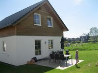 Great house for our stay with 10 people; clean, fully equipped, good atmosphere and great beds