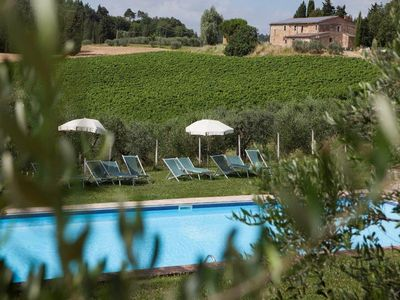Photo for Vineyard, resort, swimming pool in the heart of Tuscany. Giaggiolo