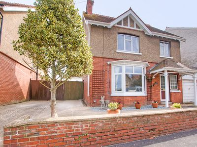 Photo for Town centre location. 5 minute walk to beach.Pet friendly with enclosed garden.