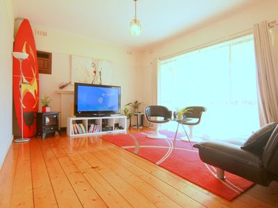 Photo for 【5 BEDS】Walk to Train Station Melbourne CBD 14KM Airport 15mins