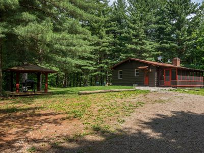 Photo for Charming 2 bedroom cabin with 110 acres, screened hot tub porch, private pond, and onsite hiking!