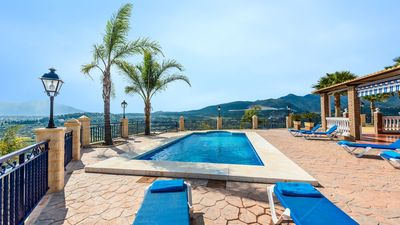 Photo for Villa all comfort with panoramic views near Marbella