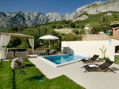 Photo for This 2-bedroom villa for up to 5 guests is located in Makarska and has a private swimming pool, air-