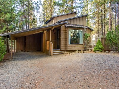 Photo for Great Location, Walk to the Village at Sunriver for Starbucks & Shops- DEER09