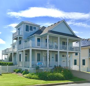 Photo for Clean and updated Currituck Club home- now booking for summer 2020!!