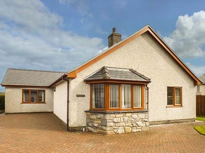 Photo for TREMYFRON, family friendly, with a garden in Bala, Ref 919414