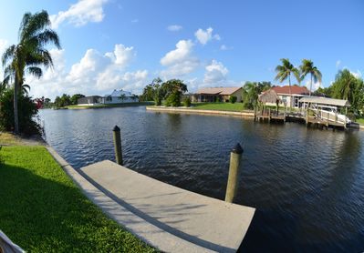 GULF ACCESS  2 bedroom 2 bath COTTAGE, BOAT DOCK DOWN TOWN