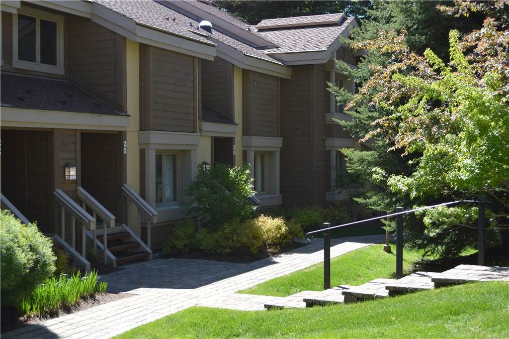 2 Bed + Loft / 2 Bath Condo on 5th Fairway of Golf Course with Stone Fireplace