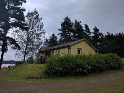 Photo for Cosy recreation houses with idyliskt views of the lake.
