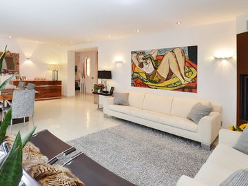 Luxury Apartment City Center Munich, 2 BR, Near Maximilianstrasse