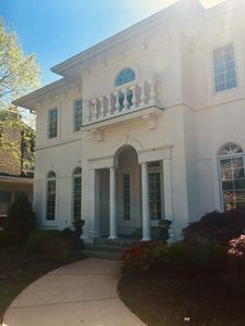 Photo for Beautiful Derby home in the Highlands. 5 miles to Churchill Downs.