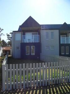 Photo for 3BR Townhome Vacation Rental in Broulee, NSW