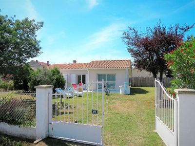 Photo for Vacation home Mon Poussin (SVV120) in Saint Vivien en Medoc - 6 persons, 2 bedrooms